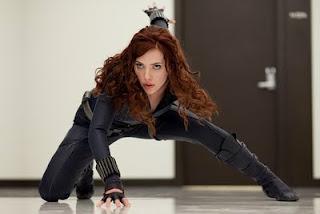 Scarlett Johanson como Viuda Negra