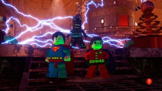 Lego-Batman-2-DC-Super-Heroes-4