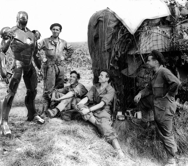 Iron man con la armadura Mark II en la segunda guerra mundial