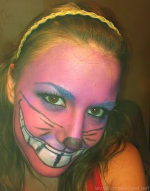 Maquillaje del gato Cheshire de Alicia en el Pas de las Maravillas