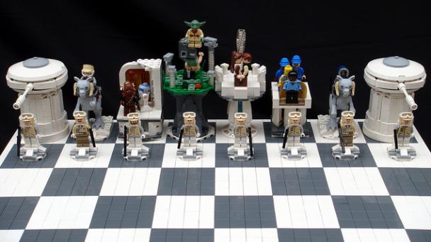Star Wars Lego Chess1