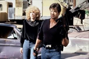 Nielsen y Stallone en Cobra