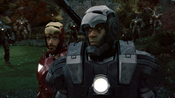 Don Cheadle y Robert Downey Jr. en 'Iron Man 2' (2010)