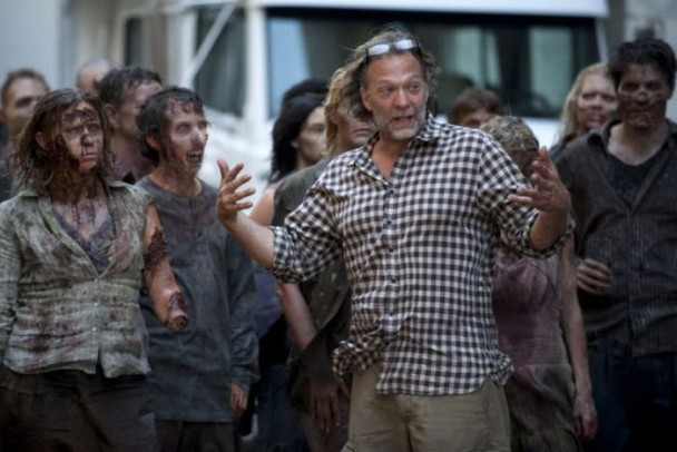behind the scenes of the walking dead 16