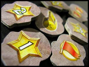 La parte de atrás de los tokens de trampas.