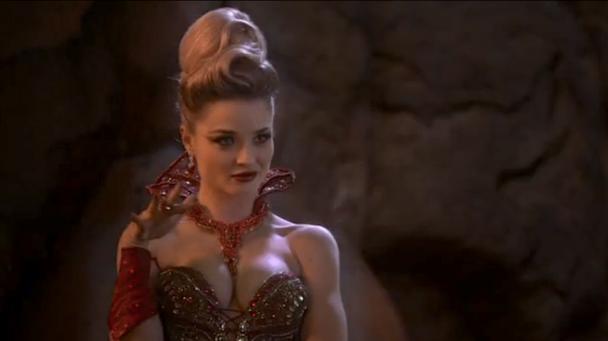 Emma Rigby como Reina Roja