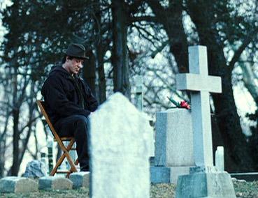 Rocky en el cementerio