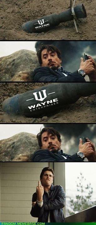 Wayne-envía-un-regalo-a-stark