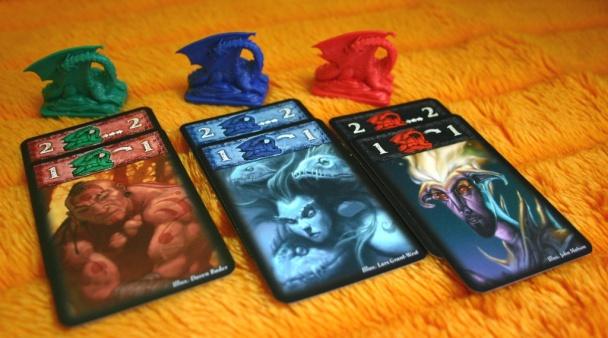 Cartas y dragones.