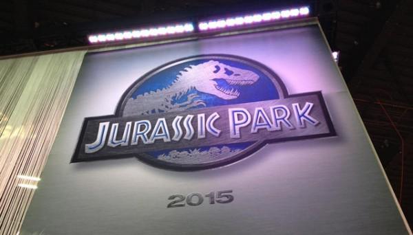 La bandera anuncio de Jurassic Park 4