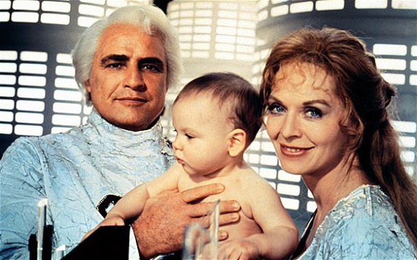 "Marlon Brando y Susannah York en ""Superman: The Movie"" (1978)"
