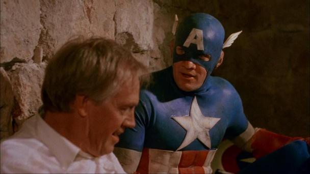 Captain-America-1990-y-el-presidente