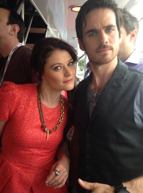 Bella y Hook entre el gentío de la Comic Con