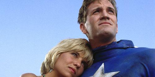 captain-america-1990-y-su-chica