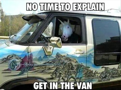 unicornio-conduciendo-una-furgoneta