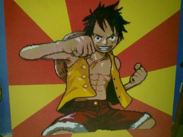 Aquí a Monkey D. Luffy, prota de One Piece, en una figura realizada con más de 20 placas y también casi un metro de altura