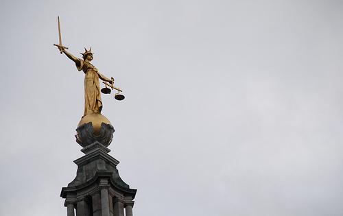 Escultura de la dama justicia (Old Beiley, Londres)