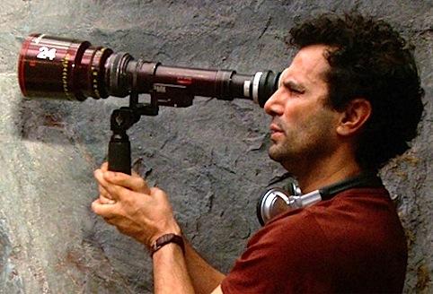 """Tarsem Singh """"observándolo todo"""". ¿Observará también el pasado y el futuro en su nueva película?"""