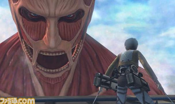 Delante del impresionante Titán Colosal