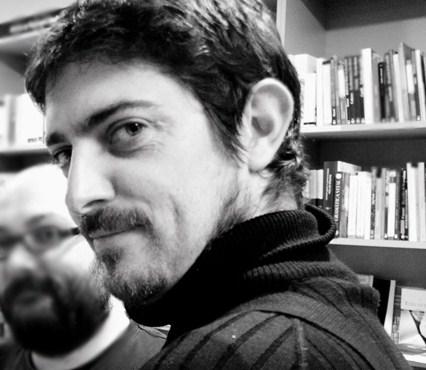 Emilio Bueso, autor de Cenital, Diástole y Esta noche arderá el cielo