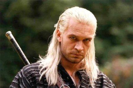 Michał Żebrowski como Geralt de Rivia en la película The Witcher / The Hexer