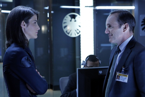 Agentes de SHIELD Coulson y Hill