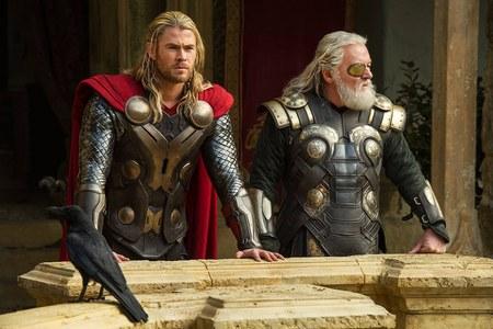 Thor El Mundo Oscuro Odin y Thor
