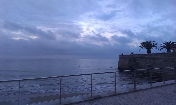 """Un bonito amanecer en Sitges, """"ventaja"""" de tener una película a las 8 de la mañana"""