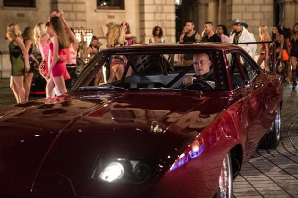 Vin Diesel luciendo modelito