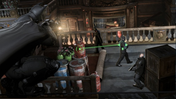 Batman-Arkham-Origins-modo-depredador-gancho-contra-matones