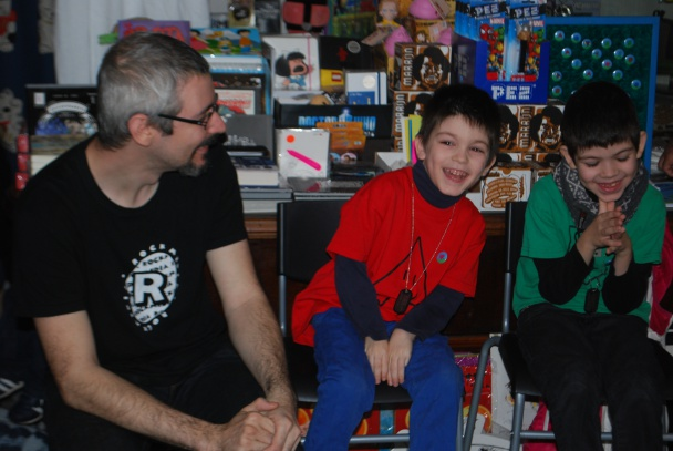 Ivan Roca (izquierda), Darel Roca (centro) y Denis Roca (derecha)