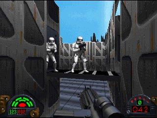 Interfaz del juego, con claras influencias de Doom.