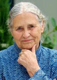 Doris Lessing, autora británica y ganadora del Premio Nobel de Literatura, fallece a los 94 años