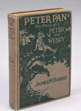 Edición antiquísima de Peter Pan, personaje literario.