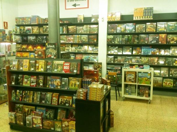 Interior de la tienda de Kaburi