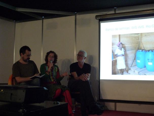 Antonia Santolaya, Miguel Gallardo y Enrique Flores en la presentación de Oxfam Intermon