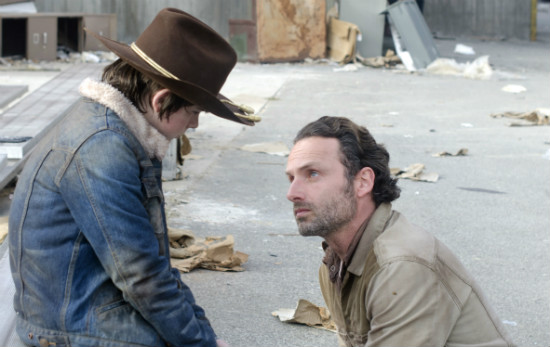 walking-dead-carl-rick-chandler-riggs-andrew-lincoln