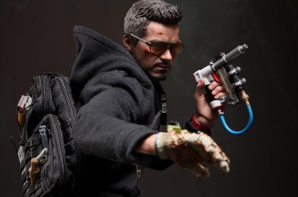 guy-makes-iron-man-3-stun-glove
