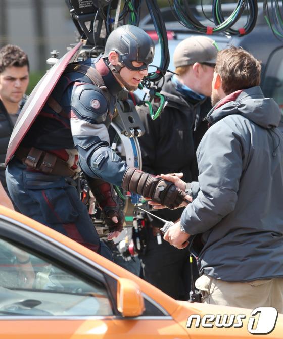 capitan america avengers 2 4