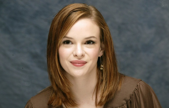 Danielle-Panabaker the flash