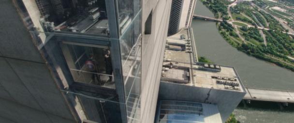 capitán américa  2 - ascensor exterior