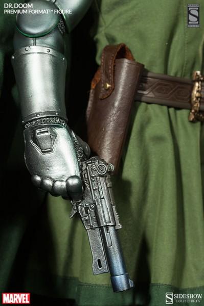 Dr Doom Sideshow pistola rayos