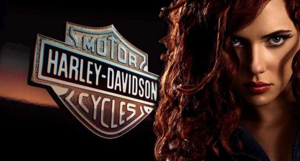 Scarlett-Johansson_Harley-Davidson