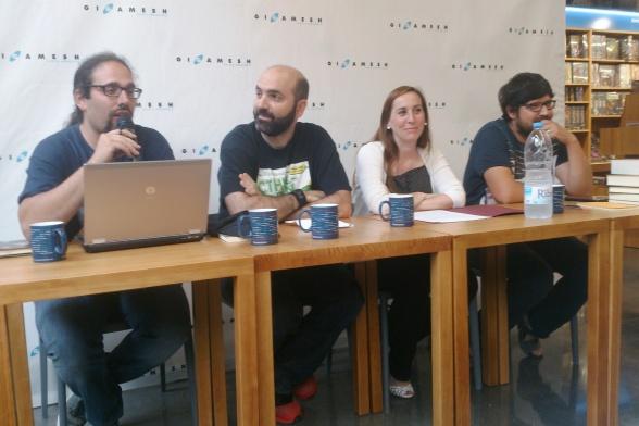 Presentación de la MIRcon 2014 en la librería Gigamesh (colectivo Urânik).
