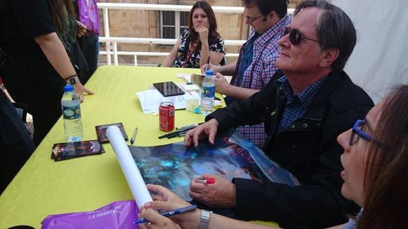 Tim Powers y Brandon Sanderson firmando en Celsius 232, foto de la organización