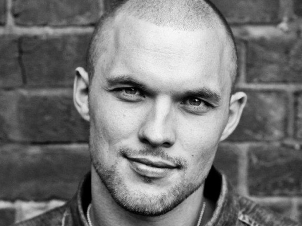 ed-skrein-transporter
