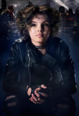 Camren Bicondova caracterizada como Catwoman