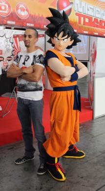 Goku visita el Salón del Manga