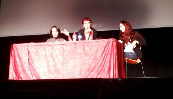 De izq. a der.: Aliette de Bodard, Silvia Schettin y Susana Arroyo