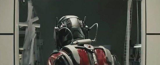 Ant-Man vista trasera